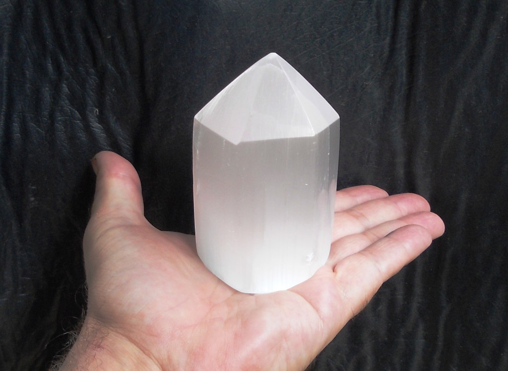 Selenite point generator Polish Natural white 9cm